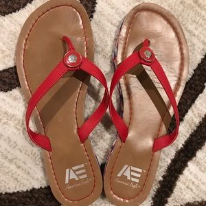 American Eagle flip flops size 7